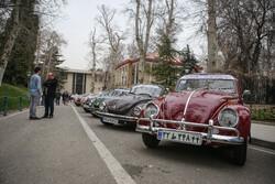 سعد آباد محل میں تاریخی گاڑیوں کی نمائش