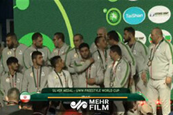 شکست تیم ملی کشتی آزاد در مقابل روسیه/ مدال نقره به ایران رسید