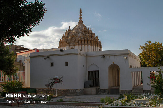 Eye-catching Indians temple in S Iran