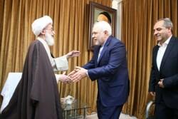 امروز نیازمند اتحاد هستیم/ تأکید بر حفظ عزت اسلامی