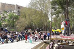 اجرای برنامههای شاد عیدانه ویژه کودکان در مراکز گردشگری لرستان