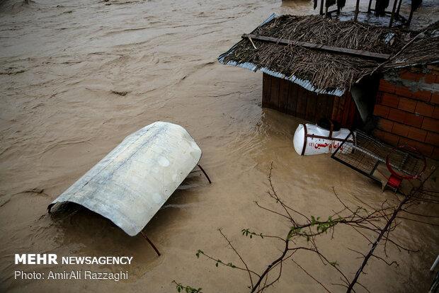 شهرهایی که غرق شدند/ کیاسر مسدود، هراز عادی