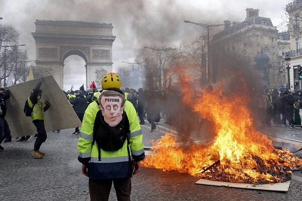 VIDEO: Yellow Vests take to streets for 28th straight week