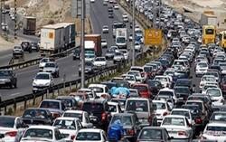 ترافیک نیمه سنگین آزادراه قزوین به کرج و آزادراه کرج به تهران/ وضعیت جوی آرام در تمامی محورها