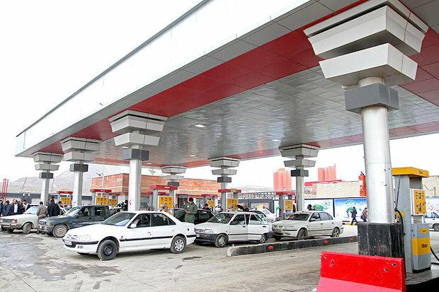 یک میلیارد لیتر بنزین در کشور توزیع شد/مشکلی در تامین سوخت نیست