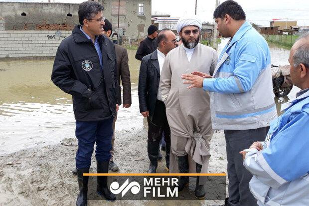 حضور حجت الاسلام قمی در مناطق سیل زده استان گلستان