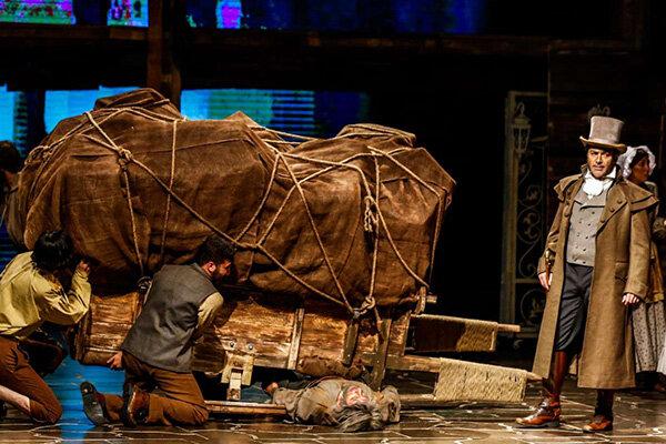 «تئاتر ۹۷» در پنج پرده/ سالی که لاکچریها و دستفروشها سوژه شدند