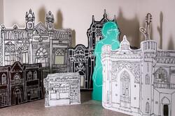 هرج و مرج شهری را در یک نمایشگاه ببینید/ چشمها را باید شست