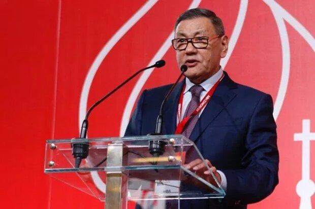 رئیس فدراسیون جهانی بوکس از سمت خود استعفا کرد