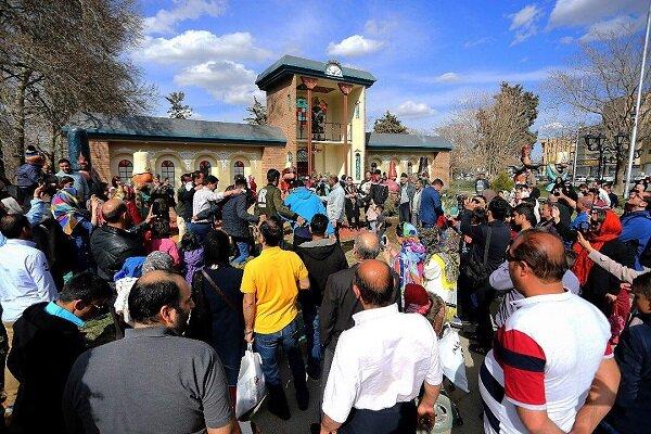 جشن و شادی مسافران نوروزی در همدان