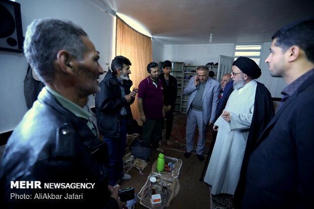 بازديد نماينده مقام معظم رهبري در استان گلستان از محل اسكان موقت سيل زدگان