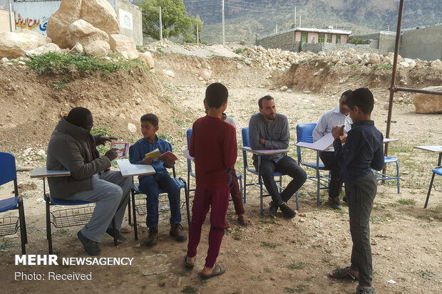 اردوی جهادی طلبه های خارجی در روستای سرفاریاب شهر یاسوج استان کهگیلویه و بویراحمد
