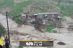 """تدفق الفيضانات في شوارع مدينة """"شيراز""""/فيديو"""