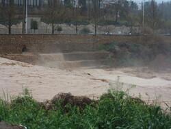 مردم تحت هیچ شرایطی در حاشیه رودخانه خشک نباشند