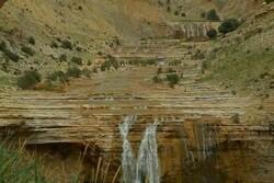 آبشارهای هفتگانه دهلران؛ مکانی توریستی برای گردشگران
