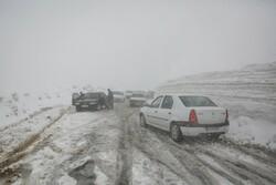 کولاک شدید برجاده های زنجان حاکم شده است