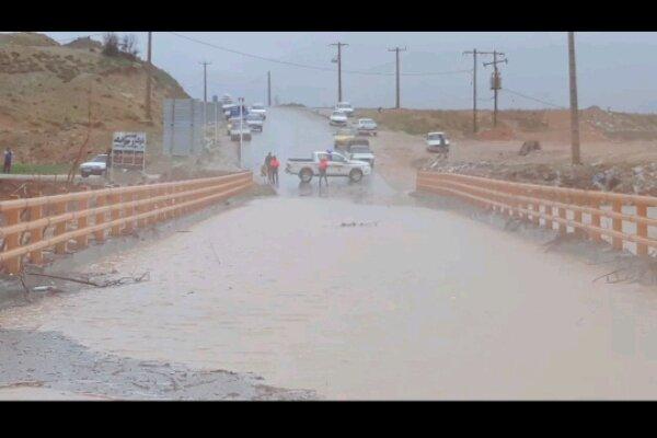 راه ارتباطی قریب به ۱۰۰ روستا مسدود شد/ تخلیه چندین خانه