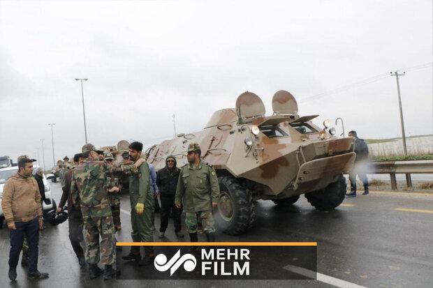 فیلم دیدنی از امدادرسانی نفربرهای ارتش به مردم سیلزده گلستان