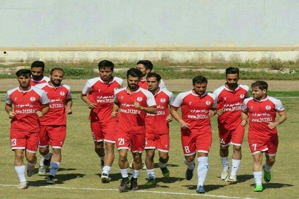 تیم فوتبال شهرداری همدان نباید به راحتی امتیازات را از دست بدهد