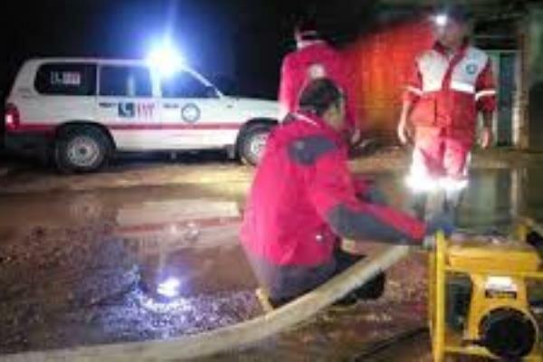 تخلیه آب ۱۵ منزل توسط ۳۳ امدادگر هلالاحمر استان تهران انجام شد