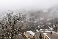 """ثلوج الربيع تغطي مدينة """"ماسوله"""" شمالي ايران / صور"""
