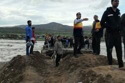 برق ۱۶۵ خانوار سیلزده لرستان به دلیل تخریب راه دسترسی همچنان قطع است