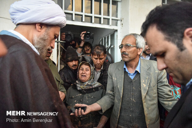 Shiraz Friday prayers leader visits flood-hit areas in Shiraz