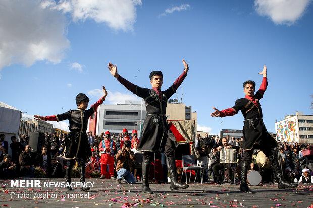 طهران تحتفل باليوم الوطني للفنون الاستعراضية