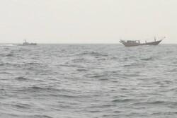 سه فروند لنج صیادی ترال با ۱۲ خدمه هندی در خلیج فارس توقیف شدند