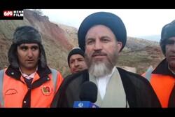بازدید آیت الله ملک حسینی از محور مسدود شده یاسوج به شیراز