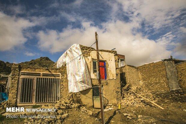 سقفهای باران زده جرگلان خراسان شمالی فرو ریخت