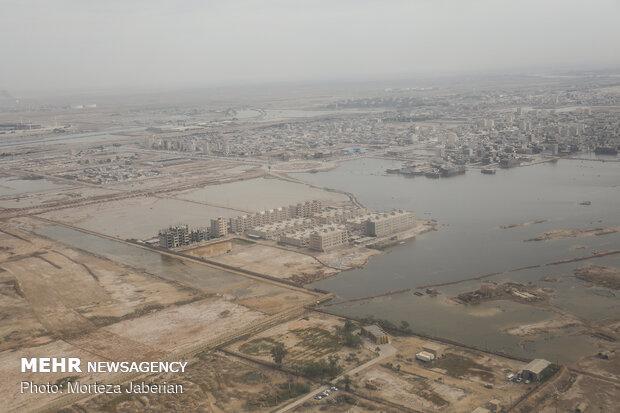 Karun bursting its banks in Ahvaz