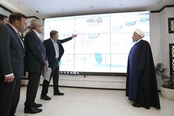 Rouhani visits Khuzestan Water and Power Authority's monitoring centre