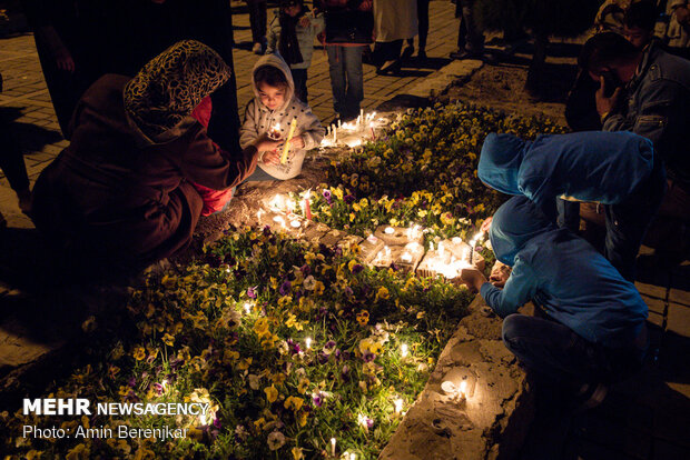 People remember flood victims in Shiraz
