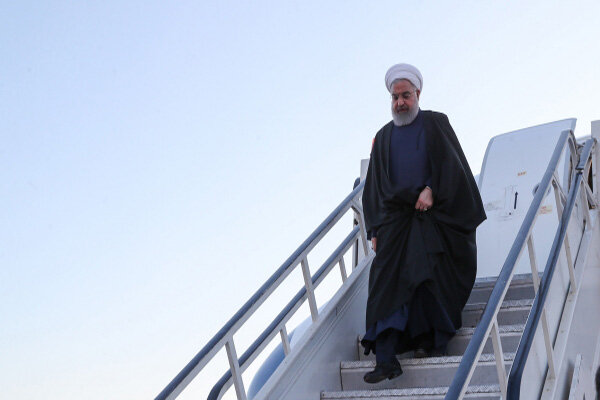 Pres. Rouhani arrives in Ahvaz to inspect relief operations in flood-hit areas