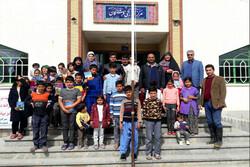 اهدای کتاب به کودکان سیلزده استان گلستان