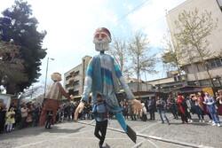 مسافران نوروزی در خیابان سی تیر تهران