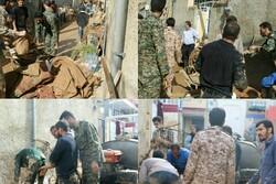 جهادگرانی که سیلزدگان شیرازی را یاری رساندند/ سعدینشینان تنها نیستند