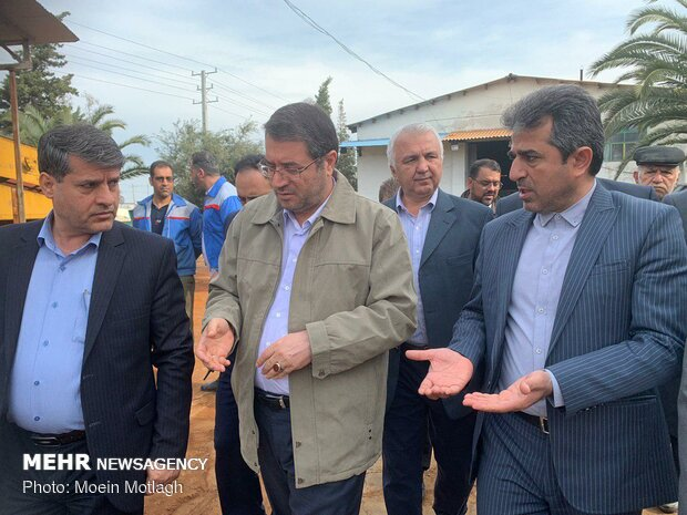 Industry minister visits flood-affected factories in Golestan