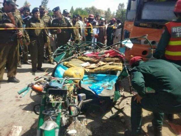 بھکر میں بس اور رکشے کے درمیان تصادم سے 7 افراد جاں بحق