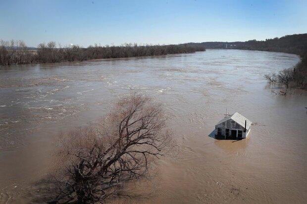 سیل بیش از ۴۰۵ هزار هکتار مزارع آمریکا را زیر آب برد