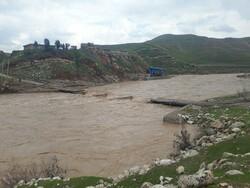 ایلام تحت تاثیر بارش های سیل آسا/ آخرین وضعیت راه ها/ چند روستا تخلیه شدند