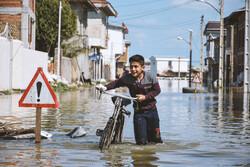 İran'daki Türkmenlerin sel çilesi sürüyor