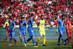 رحمتی بهترین دروازه بان فوتبال ایران شد