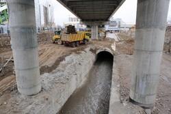 إجراءات تمهيدية تحسبا لتدفق الفيضانات في مدينة تبريز / صور