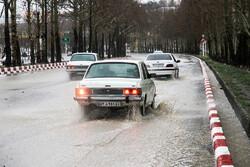 بارش شدید باران در مشهد/برق برخی مناطق قطع شد