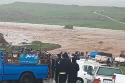 سیلاب روستاهای دره شهر را محاصره کرد/ آب ۲۴ روستای شهرستان قطع شد