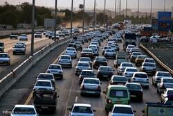 ترافیک نیمه سنگین در محورهای ورودی و خروجی پایتخت/ ترددها ۰.۴ درصد افزایش داشتهاند
