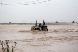 10 قرى غرقت بشكل كامل إثر السيول بمدينة أهواز / صور