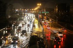 Tahran'da şiddetli yağmur etkili oldu